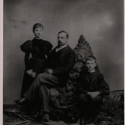 Kenryk Senkiewicz z dziećmi, 1901, zbiory IBL PAN